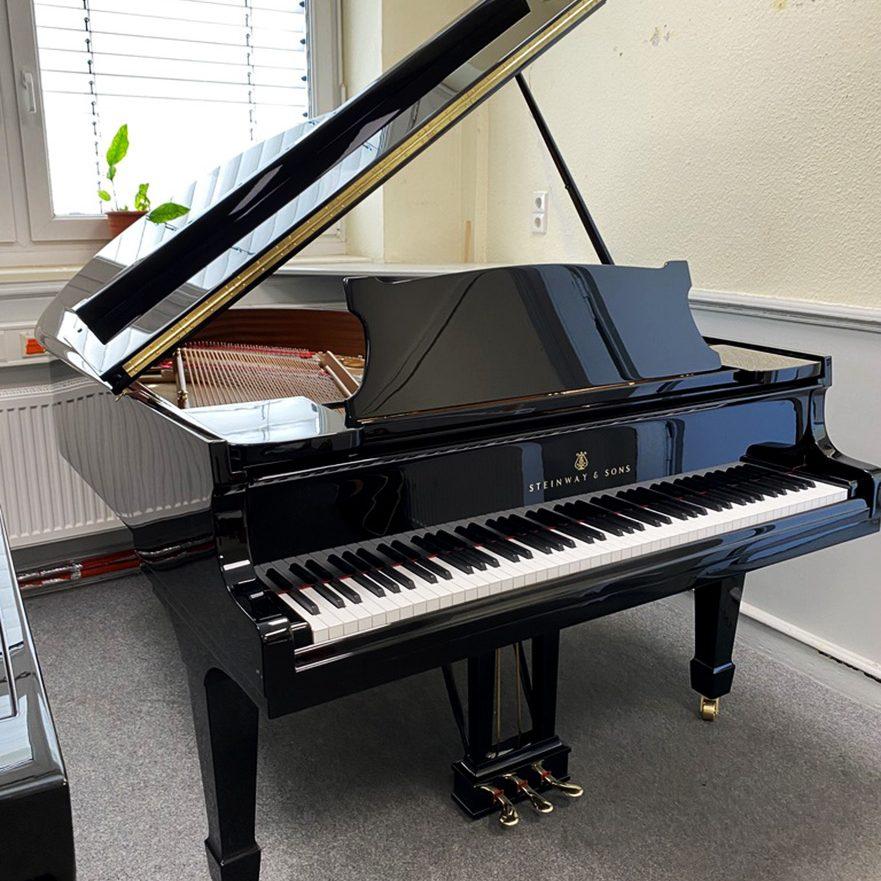 Steinway-grand-piano-143123-3